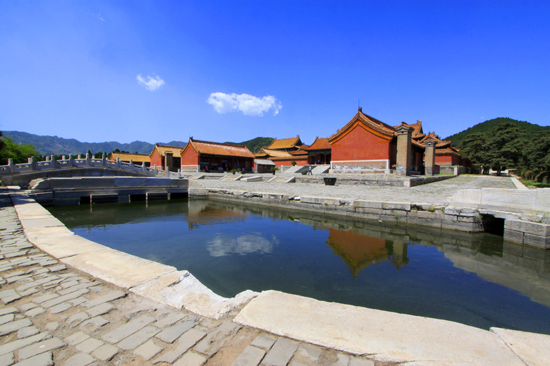 Eastern Qing Tombs travel guide