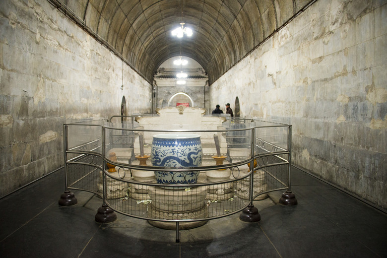 Dingling Tomb travel tips